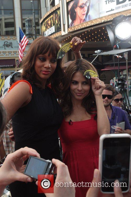 Tyra Banks and Maria Menounos 2