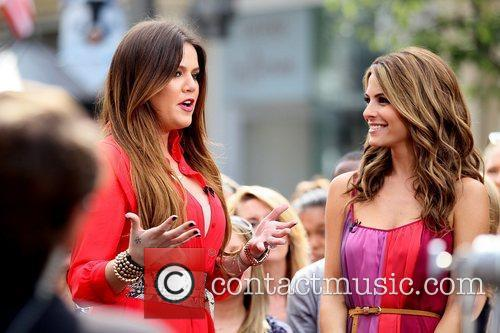 Khloe Kardashian and Maria Menounos 9