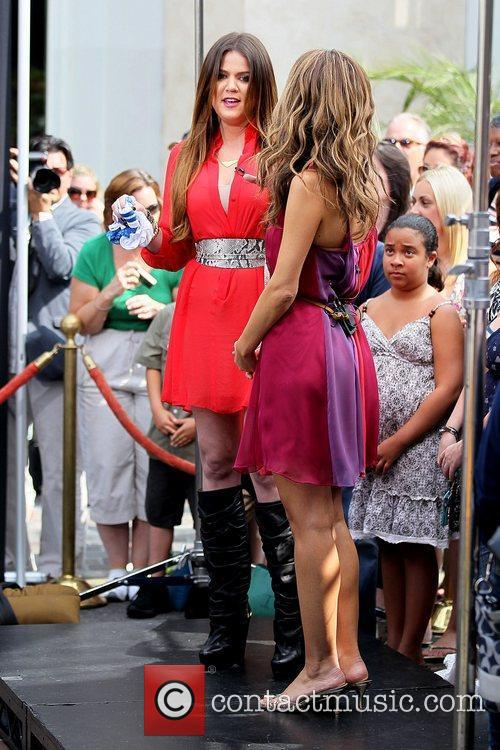 Khloe Kardashian and Maria Menounos 1
