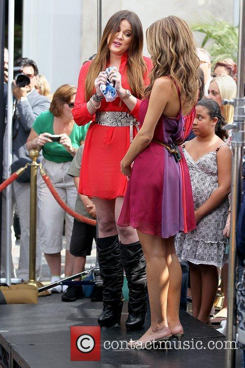 Khloe Kardashian and Maria Menounos 4