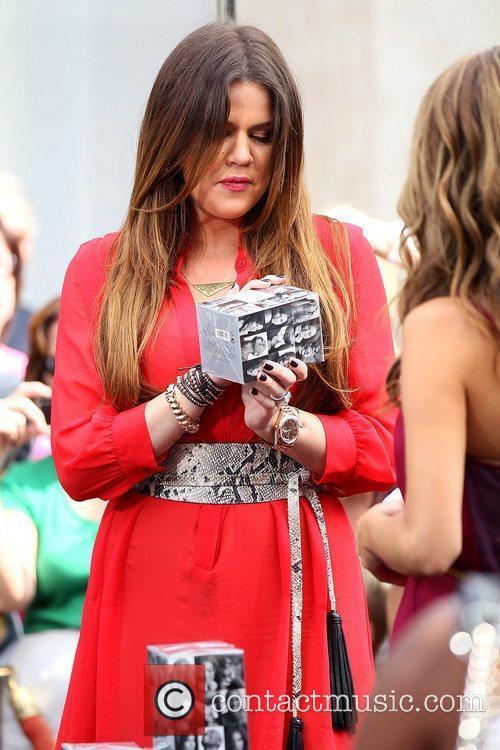 Khloe Kardashian, Unbreakable
