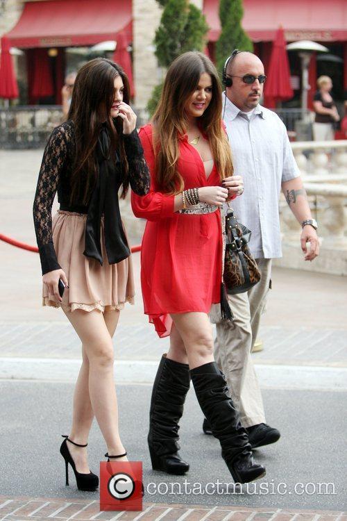 Kylie Jenner and Khloe Kardashian 10