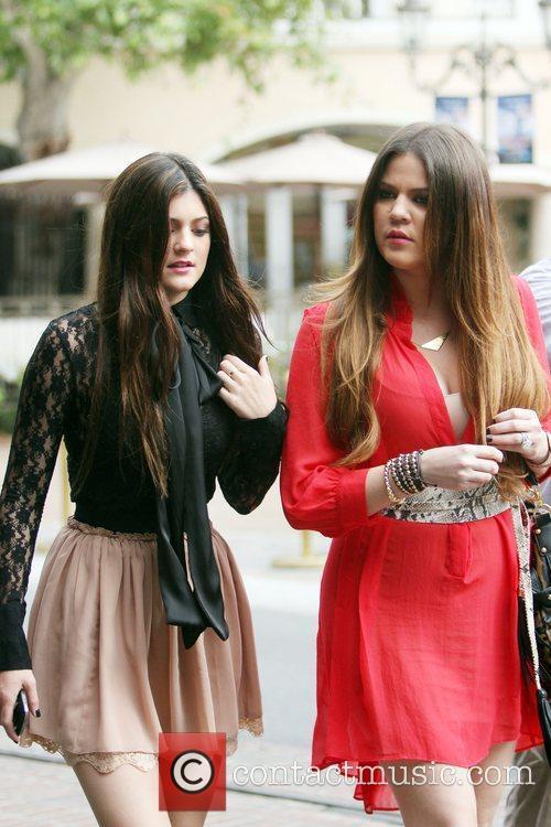 Kylie Jenner and Khloe Kardashian 8