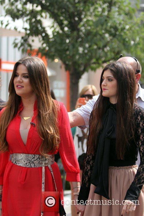 Kylie Jenner and Khloe Kardashian 7