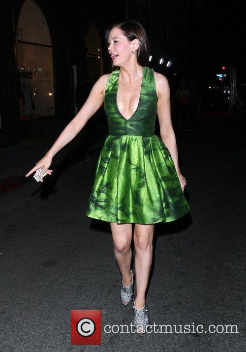 Rose McGowan leaves Decade clothing store after attending...