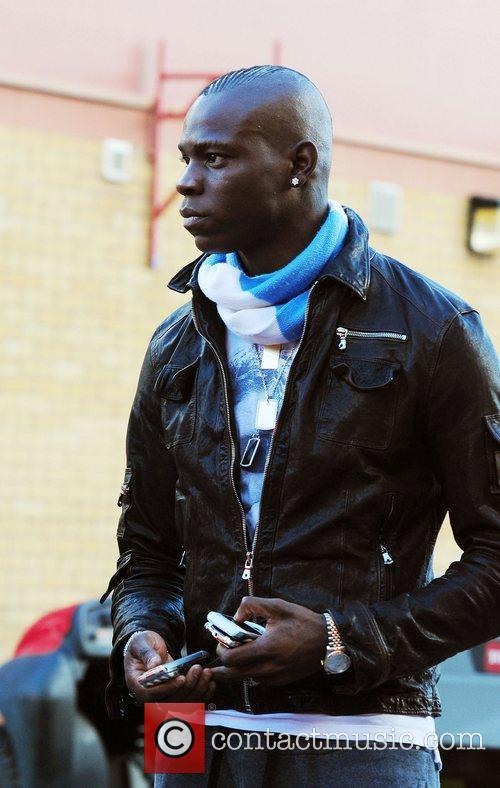 Mario Balotelli Arriving At Old Trafford