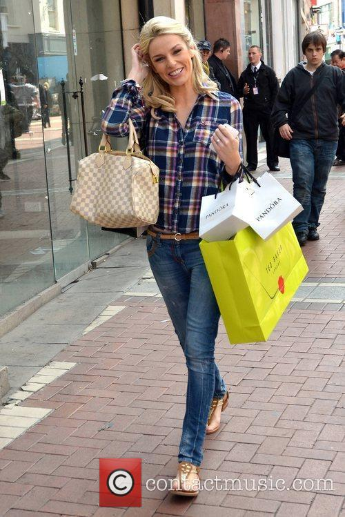 Model Pippa O'Connor  out shopping on Grafton...