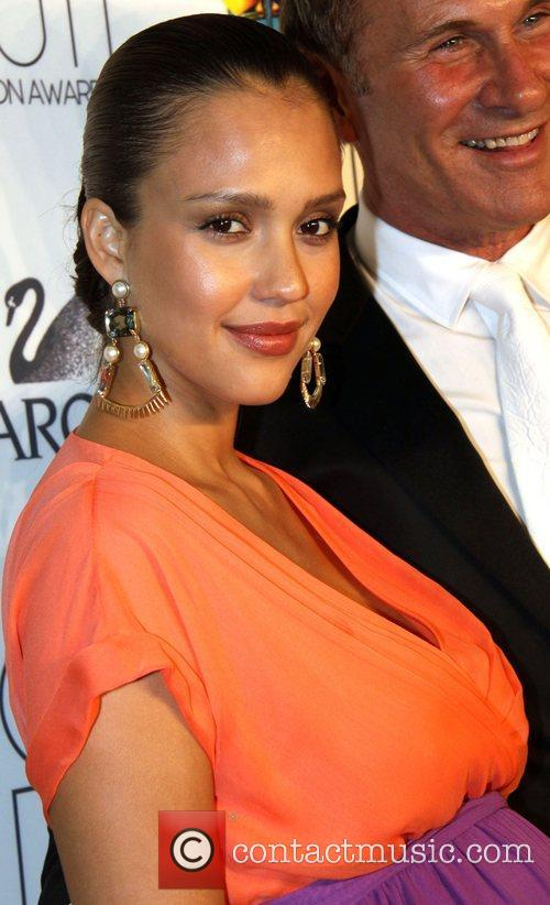 Jessica Alba and Cfda Fashion Awards 1