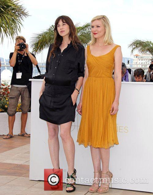Charlotte Gainsbourg and Kirsten Dunst 9