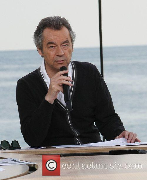 Presenting 'Le Grand Journal' in Cannes