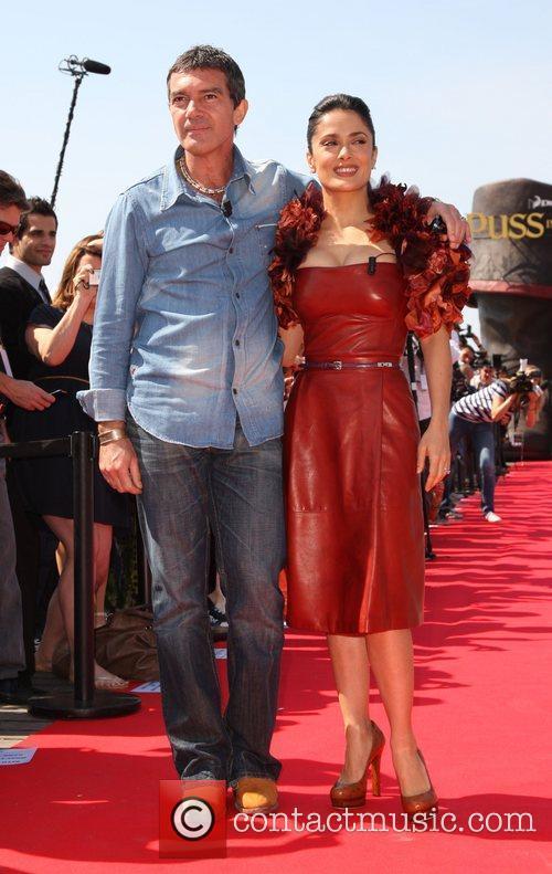Salma Hayek and Antonio Banderas 2011 Cannes International...