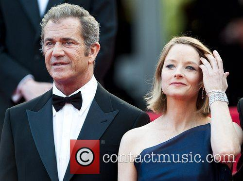 Mel Gibson and Jodie Foster 8