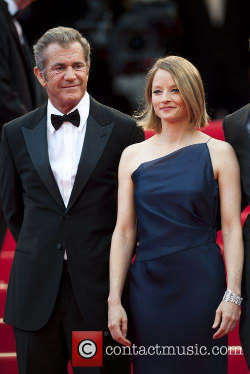 Mel Gibson and Jodie Foster 9