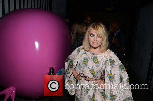Little Boots and Diana Vickers 1