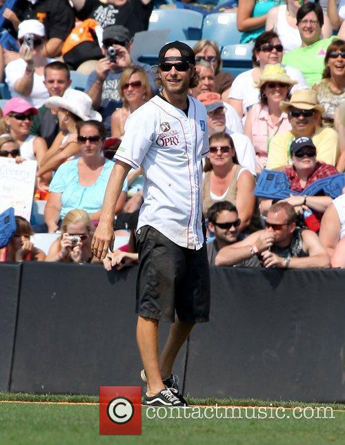 Dierks Bentley City of Hope Charity Softball Challenge...