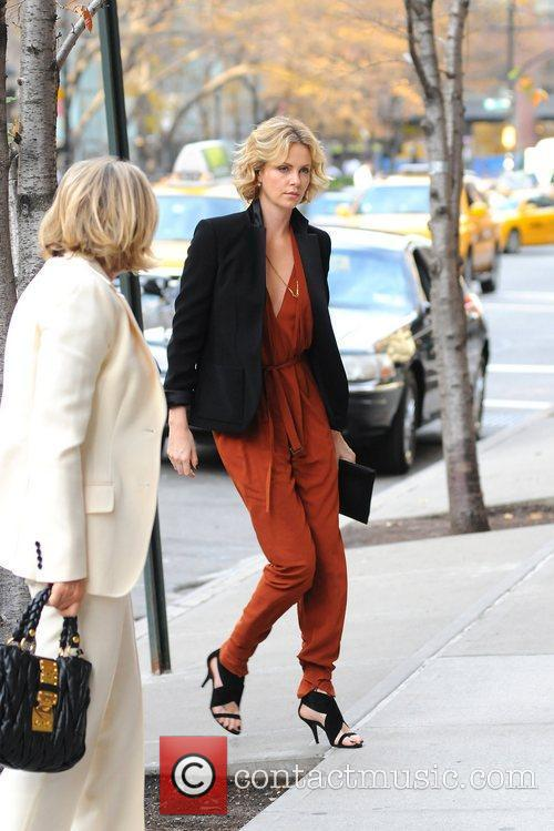 Charlize Theron, Manhattan Hotel