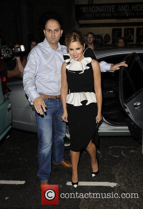 Arrives to watch 'Shrek The Musical' with Kimberley...