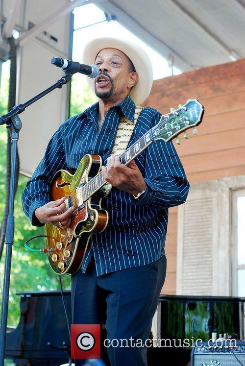 Performs at the Chicago Blues Festival 2011