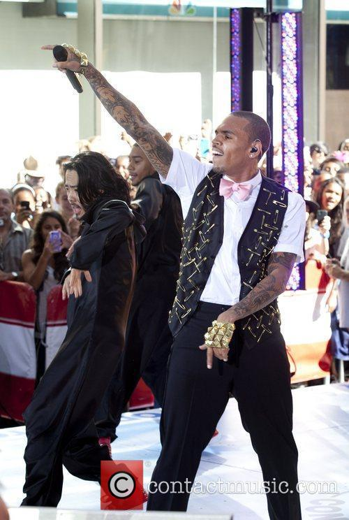 Chris Brown 100