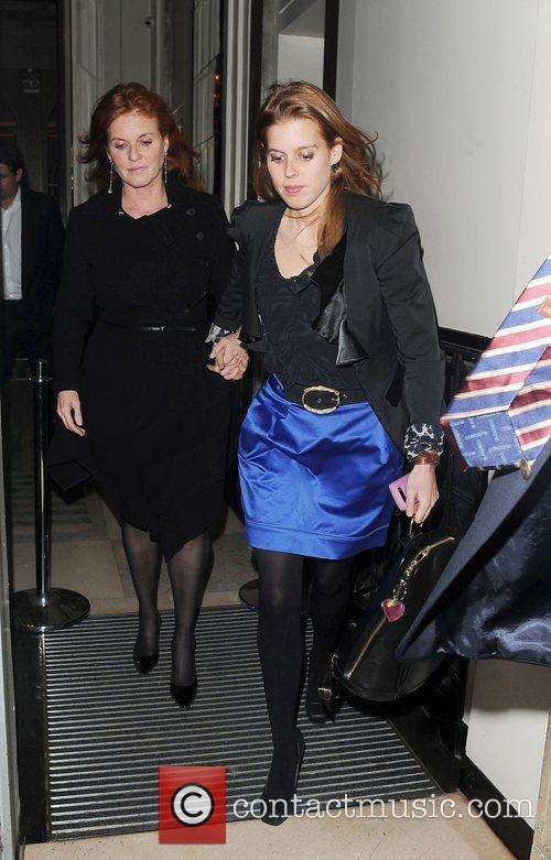 Sarah Ferguson and Princess Beatrice 8