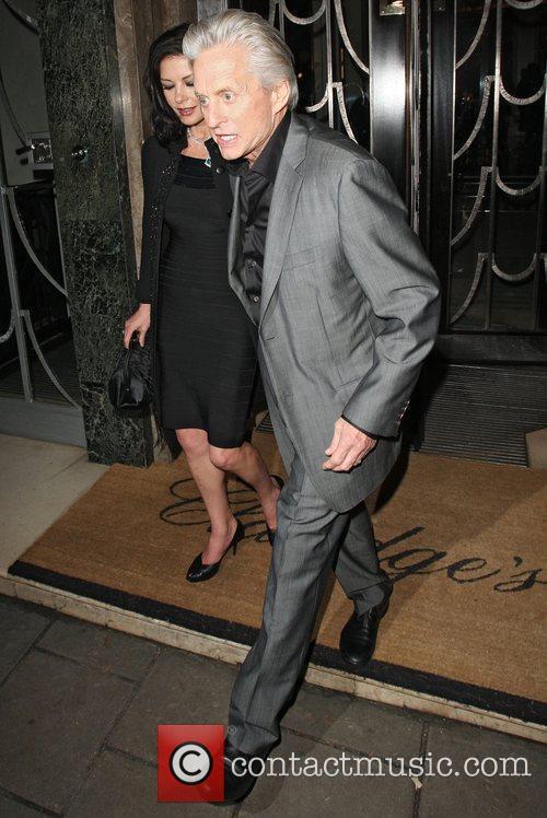 Catherine Zeta Jones and Michael Douglas 7