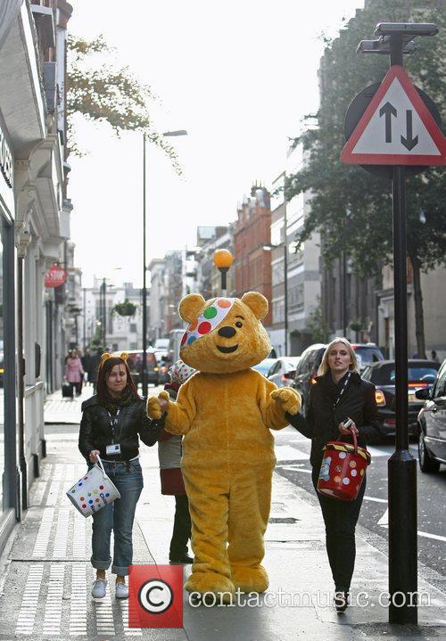 Pudsey and Chris Evans 1