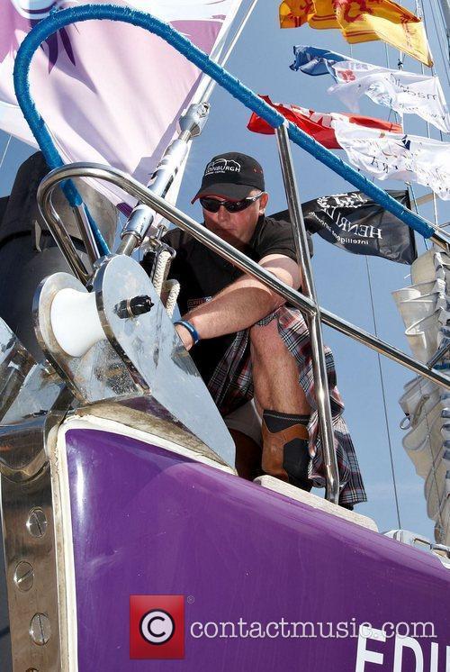 Scotman wearing underwear on clipper Edinburgh Clipper Round...