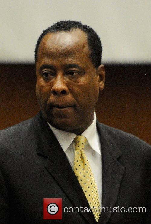 Dr. Conrad Murray prepares to leave for mid-morning...