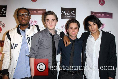Kyle Gallner and Ryan Pinkston 4