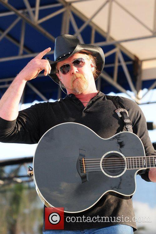 Trace Adkins performing  KISS Country Chili Cookoff...