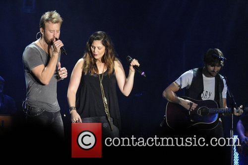Charles Kelley, Dave Haywood, Hillary Scott and Lady Antebellum 11