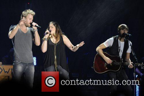 Charles Kelley, Dave Haywood, Hillary Scott and Lady Antebellum 8