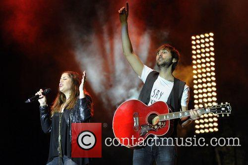 Hillary Scott, Dave Haywood and Lady Antebellum 8