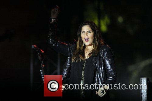 Hillary Scott and Lady Antebellum 5