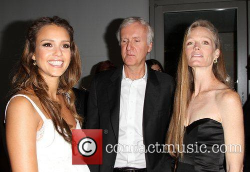 Jessica Alba, James Cameron and Suzy Amis 9