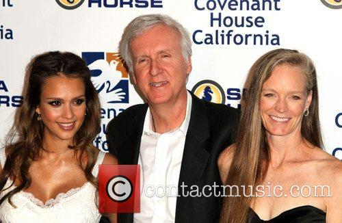 Jessica Alba, James Cameron and Suzy Amis 5