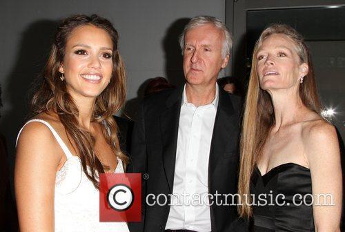 Jessica Alba, James Cameron and Suzy Amis 9