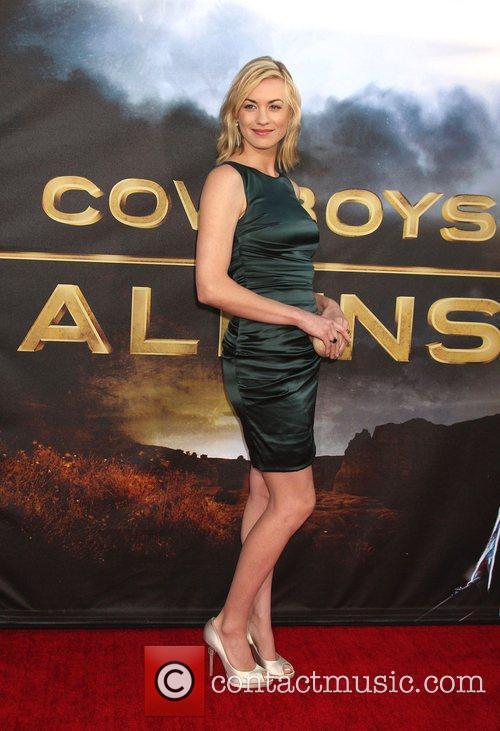 Yvonne Strahovski  'Cowboys and Aliens' premiere at...