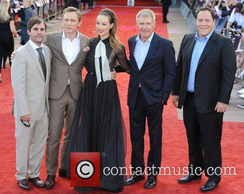 Daniel Craig, Harrison Ford, Jon Favreau and Olivia Wilde 11