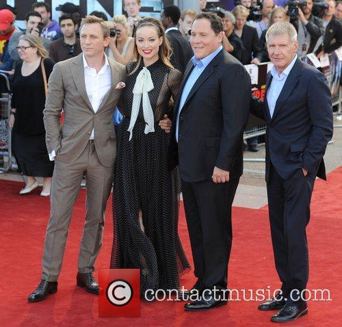 Daniel Craig, Harrison Ford, Jon Favreau and Olivia Wilde 10