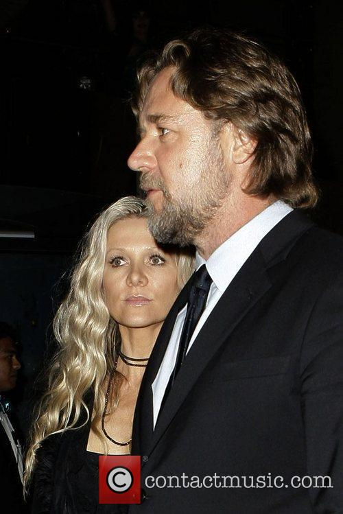 Russell Crowe and Danielle Spencer 9