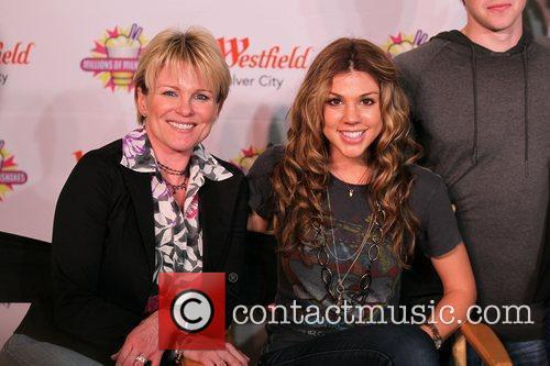 Judy Evans and Kate Mansi Cast Members of...