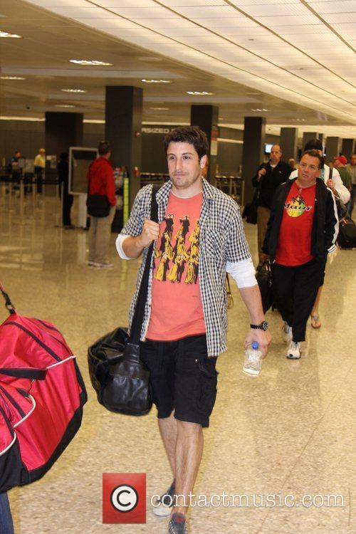 Jason Biggs Celebrities arriving at Washington Dulles International...