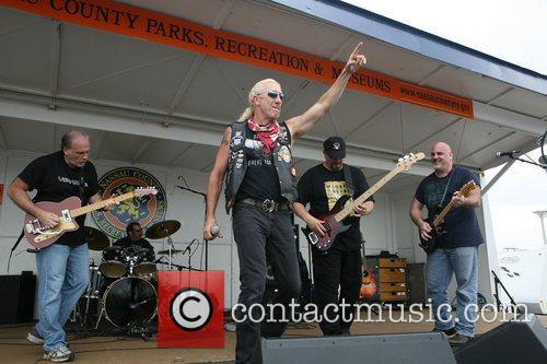Dee Snider and Twisted Sister 24