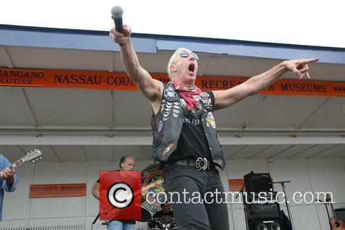 Dee Snider and Twisted Sister 18