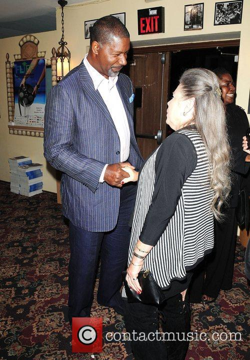Dennis Haysbert, Fort Lauderdale and Paradiso 21