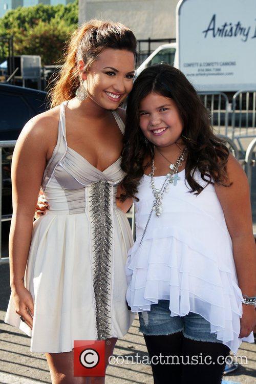 Demi Lovato, Madison De La Garza  2011...