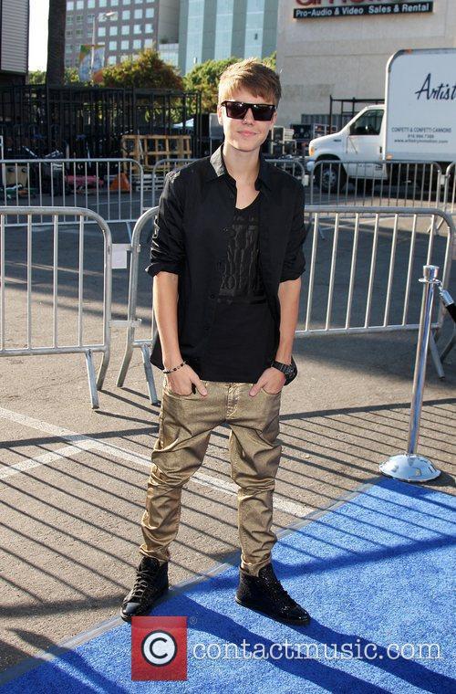 Justin BIeber  2011 Do Something Awards -...