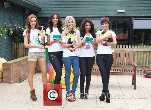Una Healy, Frankie Sandford, Mollie King, Rochelle Wiseman and Vanessa White 7