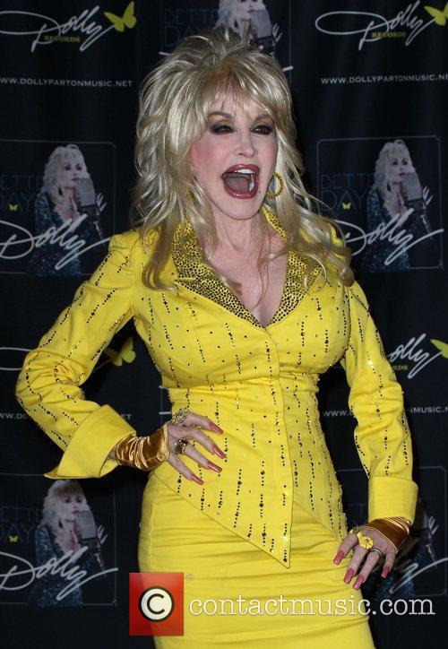 Dolly Parton returns to the CMA Music Festival...
